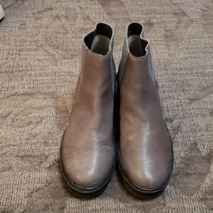 Eileen Fisher Leather Chelsea Boot sz 10 grey